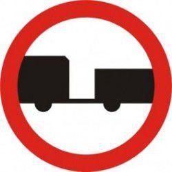 Znak B-7 Zakaz Wjazdu Pojazdów Silnikowych z Przyczepą