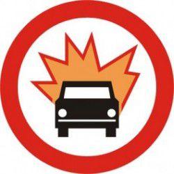 Znak B-13 Zakaz Wjazdu Pojazdów z Materiałami Wybuchowymi lub Łatwo Zapalnymi