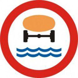 Znak B-14 Zakaz Wjazdu Pojazdów z Materiałami Które Mogą Skazić Wodę
