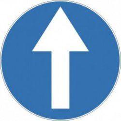 Znak C-5 Nakaz Jazdy Prosto